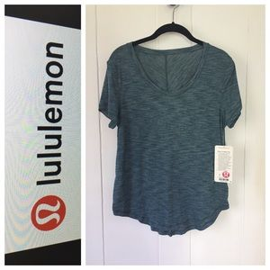 NEW! $54 lululemon Meant to Move Tee Sz 6